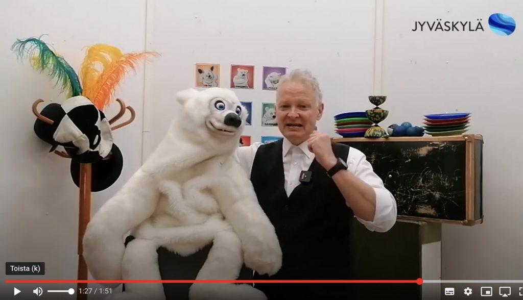 linkki Taika-Petterin ja Jakke Jääkarhun jälkkärituokiossa tehdään vesipisaran ääni suulla